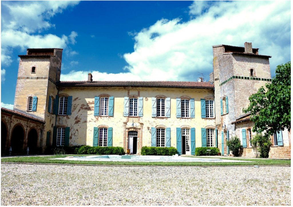 Façade sud château d'Issus